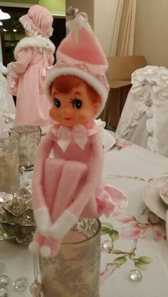 I don't usually like elves, but they look less scary to me  when dressed in pink.  ;-)