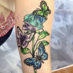 Butterfly tattoos with flowers are the most common type of tattoo that women ask when they first love going inked. This type of tattoos are great ways to Butterfly With Flowers Tattoo, Butterfly Tattoo Meaning, Butterfly Tattoo On Shoulder, Butterfly Tattoos For Women, Butterfly Tattoo Designs, Rose Flowers, Butterflies, Simple Butterfly, Vine Tattoos