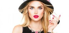 10 ESSENTIAL FASHION ACCESSORIES EVERY GIRL SHOULD HAVE