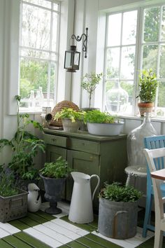 *love the green and white painted floor Style Cottage, Farmhouse Style, Farmhouse Decor, Garden Cottage, Cozy Cottage, Home And Garden, Garden Kids, Dream Garden, Herb Garden