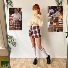 Which outfit do you like more? Rachel Green Outfits, Estilo Rachel Green, Vintage Outfits, Retro Outfits, Stylish Outfits, Grunge Outfits, Insta Outfits, Preppy Mode, Preppy Style