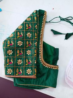 Blouse design on solid color silk sari Cutwork Blouse Designs, Wedding Saree Blouse Designs, Simple Blouse Designs, Stylish Blouse Design, Blouse Neck Designs, Pattu Saree Blouse Designs, Sleeve Designs, Sari Blouse, Sari Silk