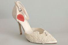 Zapato de Novia Modelo Encaje y Brillantes