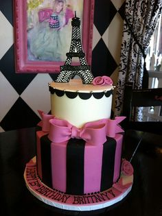 Eiffel Tower cake!! Never mind about the other Eiffel tower cake I wAnt this one!!