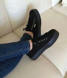 Imagem de shoes, black, and jeans