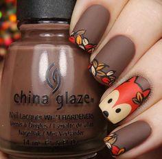 Лиса, осень, коричневый маникюр