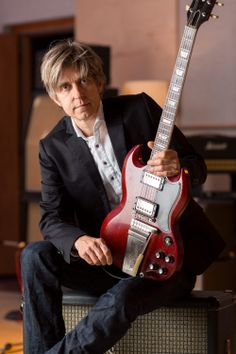 """Eric Johnson - After playing through """"Cliffs of Dover"""" a couple of hundred times, you tend to pick up some ideas . . . ."""