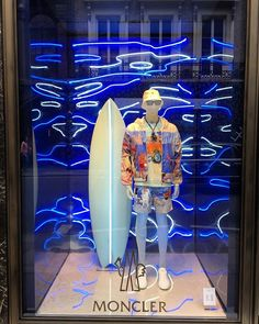 WEBSTA @ visual_window - MONCLER .....#windowdisplay #merchandising #amazing #sales #visualmerchandising #art #design #vm #store #moncler #london