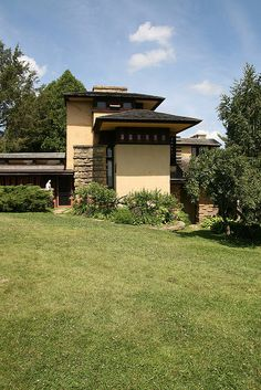 Taliesin (East). Frank Lloyd Wright. South of Spring Green, Wisconsin. 1911,1914, 1925 (remodels after fires)