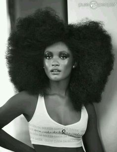 Afro-textured hair is a term used to refer to the natural texture of Black African hair that has not been altered by hot combs, flat irons, or chemicals (through perming, Black Is Beautiful, Hair Breakage Treatment, Hair Afro, Style Afro, Curly Hair Styles, Natural Hair Styles, Natural Beauty, Pelo Afro, Big Hair Dont Care