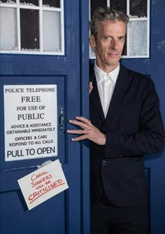 Peter capaldi doctor who 'the husband's of river song' 12th Doctor, Twelfth Doctor, Doctor Who Season 9, Peter Capaldi Doctor Who, Online Dating Apps, Beautiful Mind, Dr Who, Tardis, Mad Men