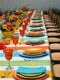 Montaje en mesa imperial, colorida y muy alegre. Para día, desayuno o comida.