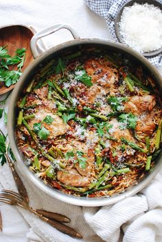 One-Pan Orzo with Chicken, Asparagus and Sundried Tomatoes | Bev Cooks Pasta Recipes, Chicken Recipes, Dinner Recipes, Cooking Recipes, Skillet Recipes, Skillet Meals, Quick Recipes, Vegetarian Recipes, Chicken Asparagus