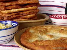 Scovergi cu cartofi reteta taraneasca de turte prajite | Savori Urbane Apple Pie, Bread, Desserts, Food, Tailgate Desserts, Deserts, Brot, Essen, Postres