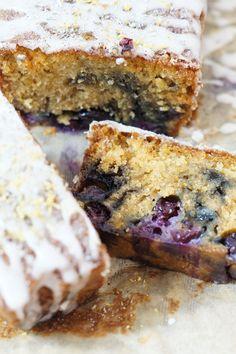 Zitronen-Lavendel-Kuchen mit Blaubeeren