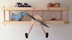 Estantería infantil en forma de avión