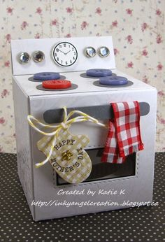 Inky Angel: Cupcake Oven Box ~ Happy Mother's Day at Scor-Pal