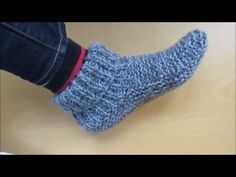 Knitting adult size slippers (with a french accent!) - Beginners - YouTube