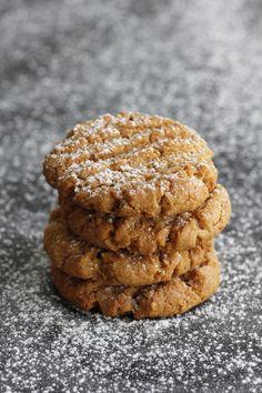 Polenta and peanut butter is a nutritious combination .עוגיות חמאת בוטנים ופולנטה