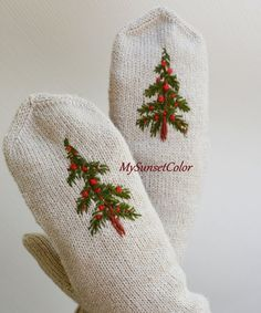 Wool Mittens with Christmas tree and red berries | Christmas gift | Women gift | Embroidered mittens | natural wool mittens | Winter fashion
