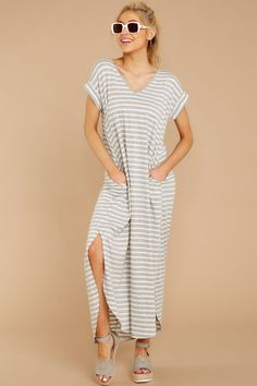 Forever Different Light Grey Stripe Maxi Dress - Women's fashion❤ - Red Dress Comfy Casual, Casual Looks, Striped Maxi Dresses, Grey Stripes, Women's Fashion Dresses, Short Sleeve Dresses, Jeans, Womens Fashion, Sneaker