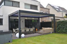 Biossun benelux project terrasoverkapping pergola couverture de terrasse met/ avec gezellige zithoek en eetplaats/ des sièges confortables et salle à manger