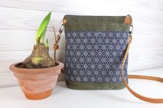 Tasche aus Vintage-Canvas mit Außentaschen aus japanischem Designerstoff.