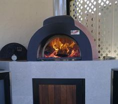 One of our very early Alfresco Wood Fired #Pizza #Ovens in Courtyard size base.