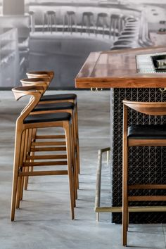 Duda Stool Duda bar stool designed by Aristeu Pires available at Sossego. Modern… Duda Stool Duda bar stool designed by Aristeu Pires available at Sossego. Modern and contemporary Brazilian design. Counter Stools With Backs, White Bar Stools, Stools For Kitchen Island, Wood Bar Stools, Painted Stools, Island Bar, Bar Chairs, Lounge Chairs, Kitchen Bar Design