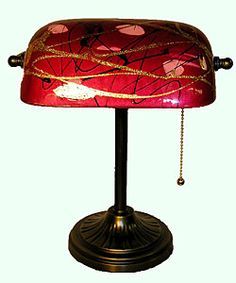 Tiffany Red Banker's lamp Bankers Lamp, Louis Comfort Tiffany, Tiffany Lamps, Large Furniture, Art Deco, Art Nouveau, Office Decor, Home And Garden, Table Lamp