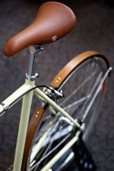 "the-lowdown: ""UK Handmade Bicycle"""