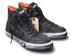 Converse and UNDFTD have teamed up with Poorman's Weapon, military bomber jacket-inspired kicks with a black nylon outer; the removable Converse chevron Converse Cuir, Converse Sneakers, Converse All Star, Converse Shoes Outfit, Black Converse, Jordans Sneakers, Vans, Sneakers Mode, Best Sneakers