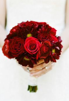 georgous red | gorgeous red bouqet | Wedding flowers