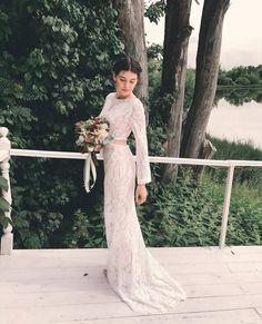 SO DREAMY 💓💓 Gorgeous @kondrassskova looking beyond beautiful in our #JarloBridal RAY gown 🌟. #ootd #occasionwear #weddings #weddinginspirations #outfitoftheday