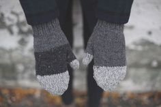 Recycled wool knit mittens