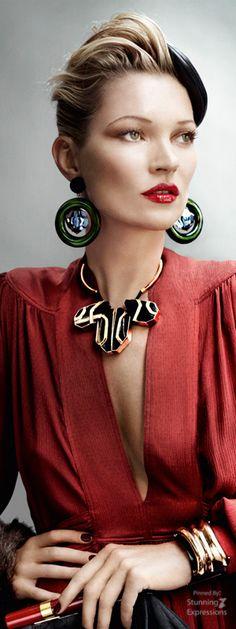 Kate Moss by Mario Testino 4 Vogue UK