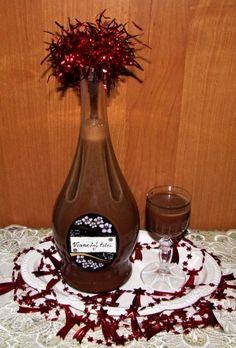 Vianočný čokoládový likér (fotorecept) - obrázok 9 Wine Decanter, Rum, Barware, Deserts, Drinks, Liquor, Wine Glass Rack, Beverages, Dessert