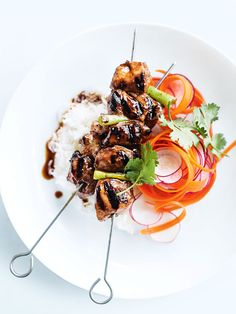 Sticky five-spice chicken skewers with radish and carrot salad - Donna Hay Five Spice Chicken, Chicken Spices, Chicken Recipes, Donna Hay Recipes, Asian Recipes, Healthy Recipes, Carrot Salad, Chicken Skewers, Baked Fish