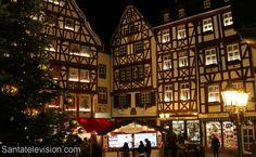 Bernkastel-Kuesin Joulumarkkinat Moselin laaksossa Saksassa
