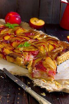 Yerbabuena en la cocina: Tarta de ciruelas y crema de almendra con hojaldre rápido con Thermomix