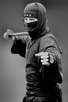 Ninja- my back up paln Arte Ninja, Ninja Art, Ninja Warrior, Samurai Warrior, Kendo, Bushido, Female Ninja, Martial Arts Weapons, Fighting Poses