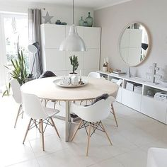 Ikea Dining Room, Dining Room Lighting, Dining Room Design, Interior Design Living Room, Living Room Decor, Ikea Round Dining Table, Eames Dining, Round Tables, Design Kitchen