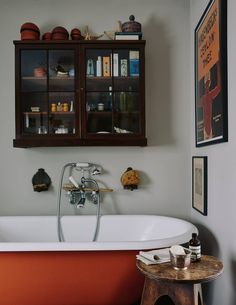 The vintage bath was reclaimed from Chelsea Manor Studios, where the cover for The Beatles' Sgt Pepper's Lonely Hearts Club Band album was shot. Bathroom Cabinets, Bathroom Storage, Small Bathroom, Bathroom Ideas, Eclectic Bathroom, Nature Bathroom, Disney Bathroom, Bathroom Niche, Barn Bathroom
