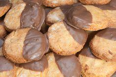 Air fryer half dipped chocolate biscuits These half dipped  Mein Blog: Alles rund um die Themen Genuss & Geschmack  Kochen Backen Braten Vorspeisen Hauptgerichte und Desserts