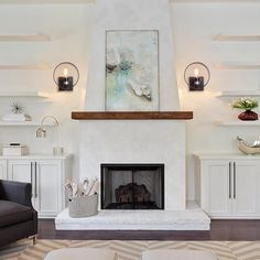 family room design ideas with fireplace and tv Stucco Fireplace, White Fireplace, Fireplace Remodel, Brick Fireplace, Fireplace Design, Fireplace Lighting, Simple Fireplace, Sconces Living Room, Living Room With Fireplace