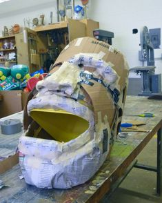 The Big Head Project | WVartist's Weblog Can not wait to try this with my students!!!!