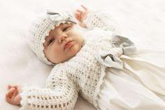 komplecik do chrztu sukienka sweterek i czapeczka
