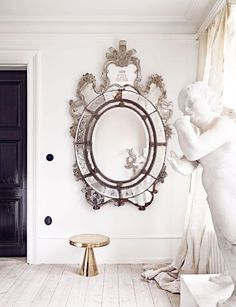 The beautiful eclectic home of Swedish interior stylist Marie Olsson Nylander. That mirror is absolutely amazing Swedish Style, Swedish House, Scandi Home, Scandinavian Home, Chic Living Room, Art Of Living, Decoracion Vintage Chic, Turbulence Deco, Ivy House