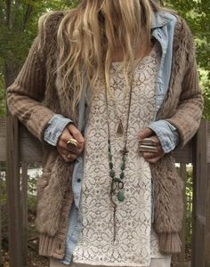 Looks comfy!  I like the chambray shirt combined with the sweaters.
