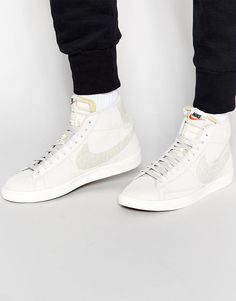 2fdf81a0313a Image 1 of Nike Blazer Mid Trainers 638261-013 Mens Trainers